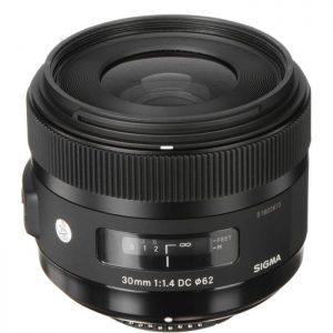 Sigma 30mm/1.4 Nikon